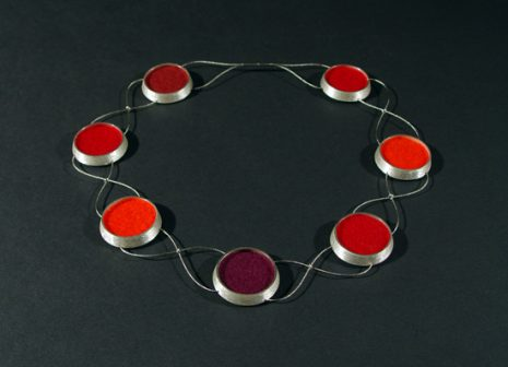 Collier_rot_gross