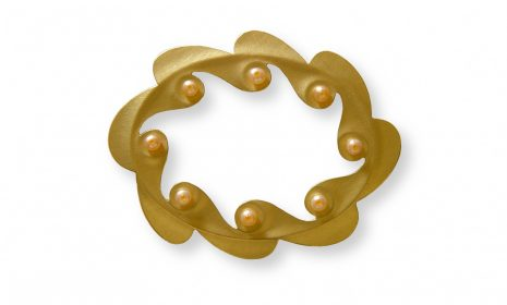 crown-brooch-2-65x52mm-18kr-gold-freshwaterpearls