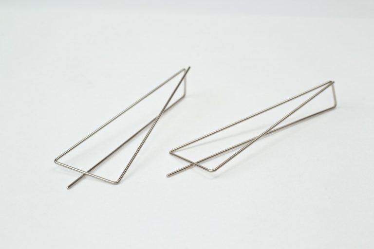 Ruimtelijk staal driehoek lang