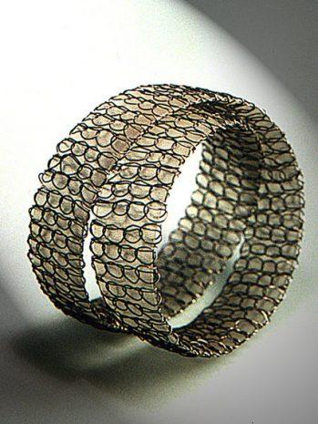 l_armband
